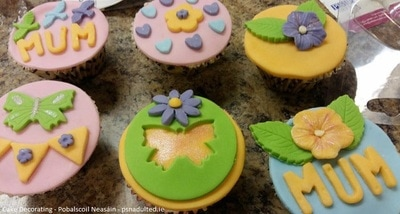 Learn how to make beautiful cupcakes